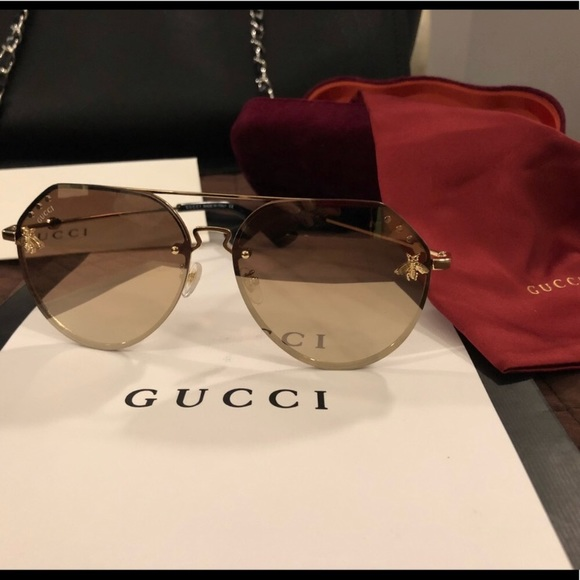 1ed89cfe98c Gucci Accessories - Gucci Bee Collection limited edition